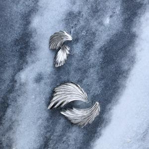 Minimal silver studs